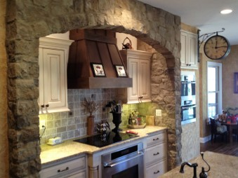 Kitchen Stone Arch made with Gran'ide Stone Works product.
